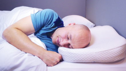 Anti-snurkkussens & anti-snurkriemen – Stoppen ze het snurken?